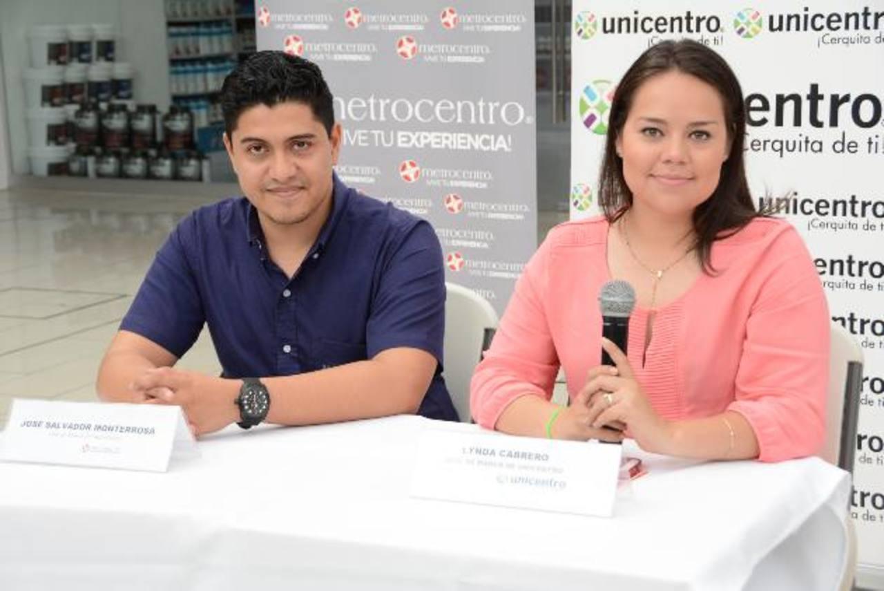 Salvador Monterrosa, de Metrocentro y Lynda Cabrero, de Unicentro, invitaron a todos a la gran celebración.Metrito y Nico recorren el país para celebrar su cumpleaños.