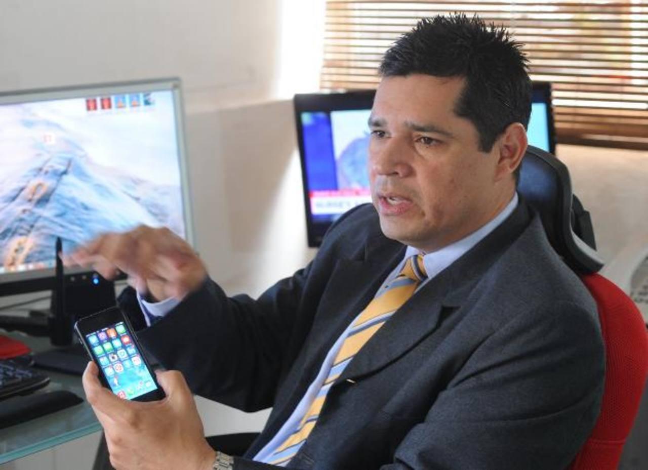 Con la implementación de aplicaciones móviles, se busca llevar a pequeños negocios a otro nivel y que estos se den a conocer. foto edh / Miguel vILLALTA