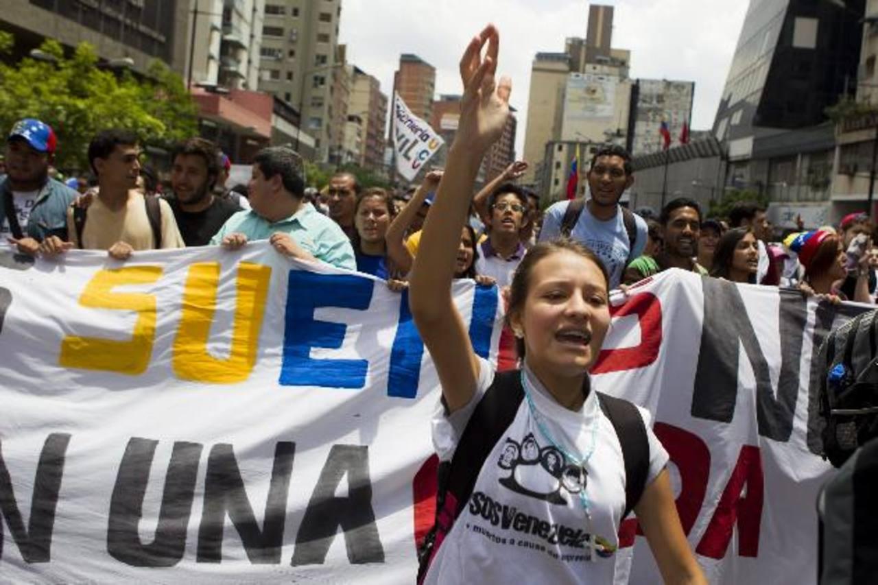 El frenazo económico de Venezuela y Argentina también afecta el crecimiento de la economía regional. foto edh / archivo