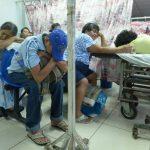 Pacientes del hospital Rosales permanecen en la sala de Emergencias. Foto EDH / archivo
