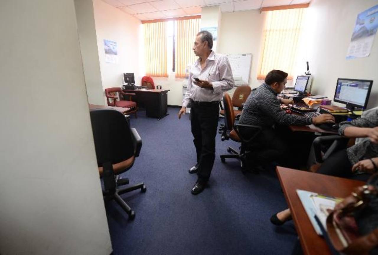 """Los diputados tránsfugas siguen ocupando las mismas oficinas como grupo """"Unidos por El Salvador"""", pese al fallo de la CSJ. foto edh / mauricio cáceres"""