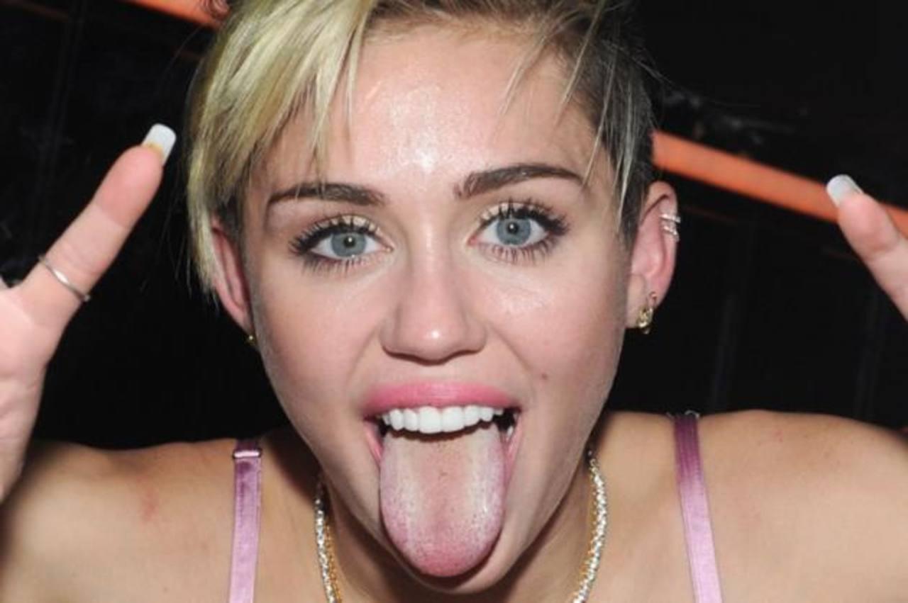 ¿Viste? Miley Cyrus publica foto en bañera