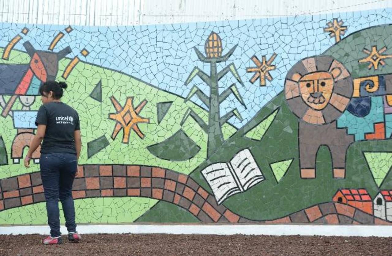 Elementos identificativos de San Marcos fueron elegidos por los jóvenes artistas . Foto EDH / Douglas Urquilla.