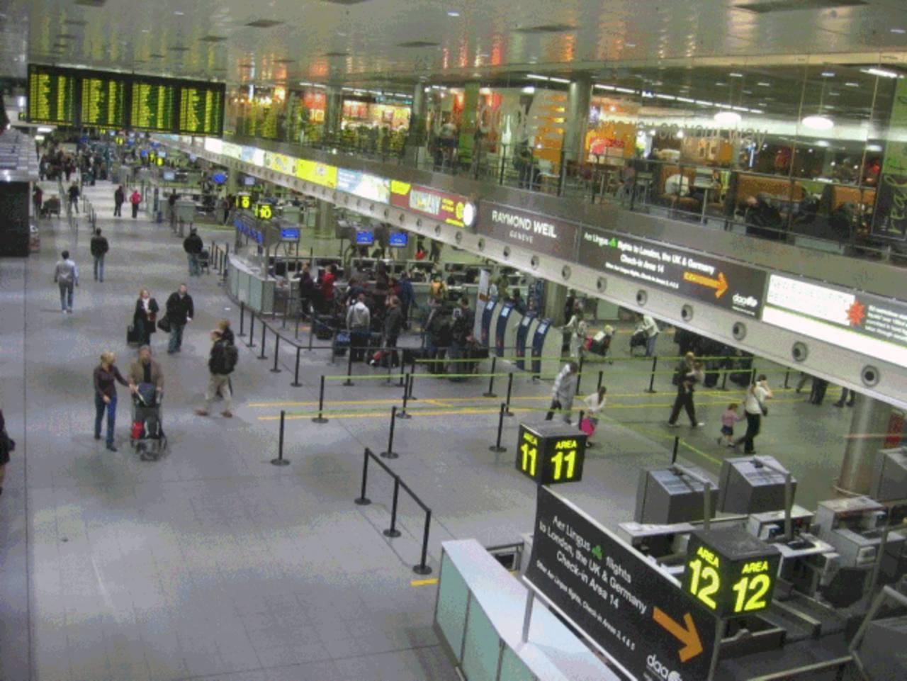 Alerta de seguridad por ébola en el aeropuerto de Dublín