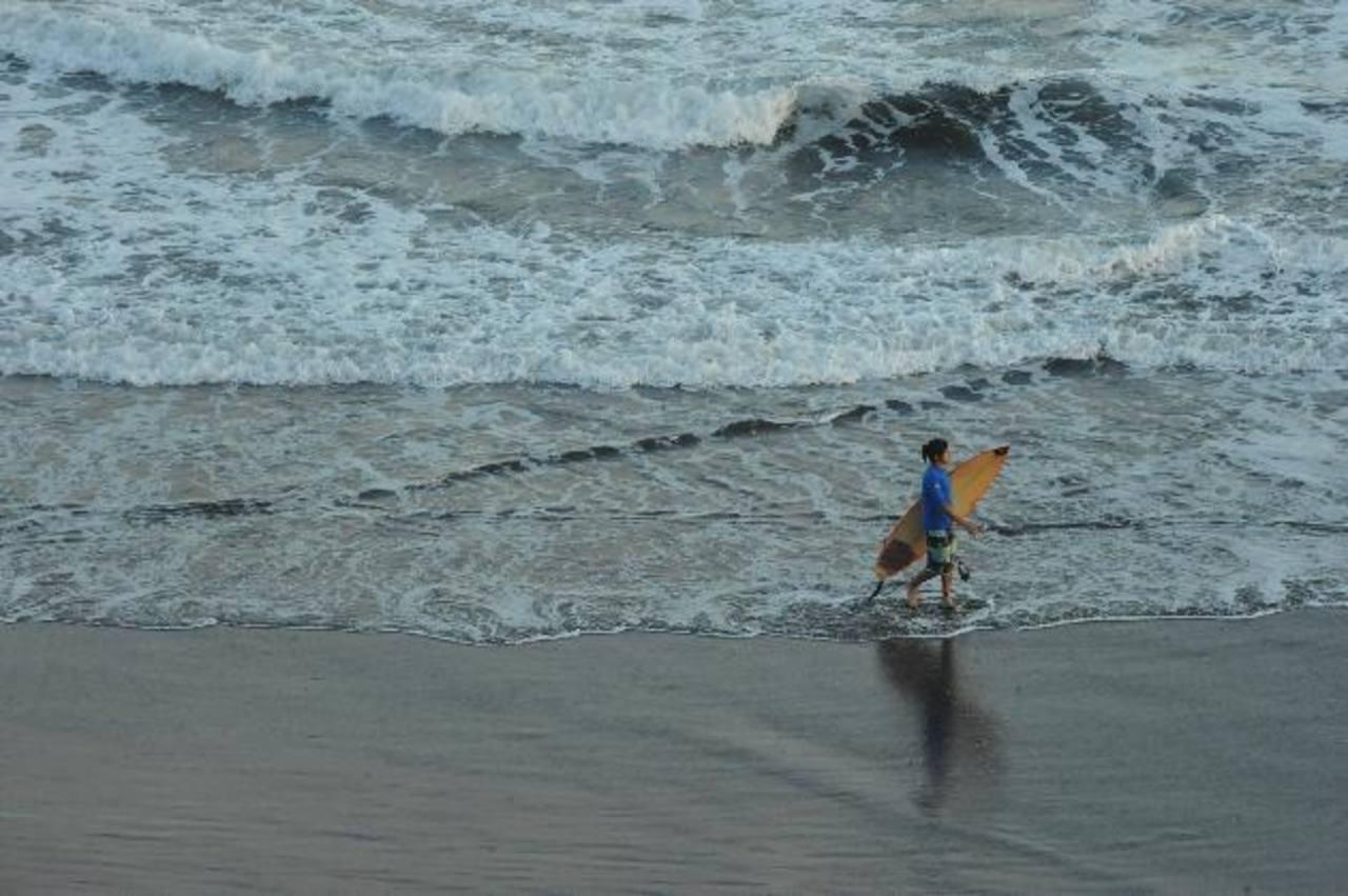 El Salvador cuenta con montañas, playas y diversos sitios para divertirse. Foto EDH