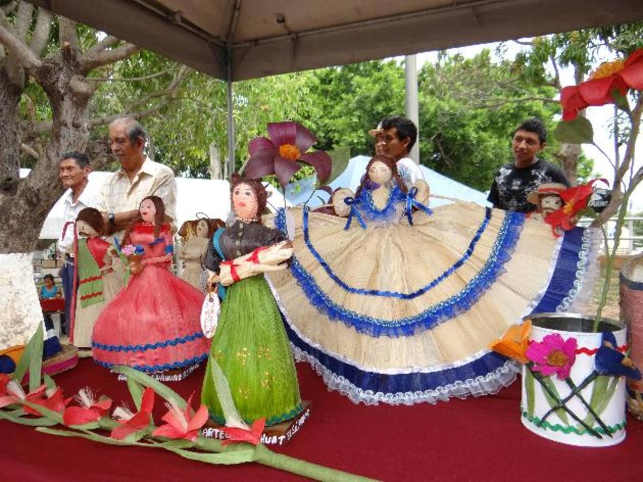 Muchos expositores mostraron artesanías propias de distintos lugares. foto edh / cortesía
