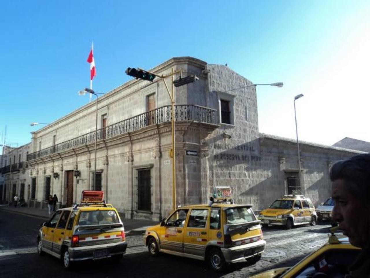 La minería es una de las principales actividades económicas de Perú. Foto EDH / archivo.