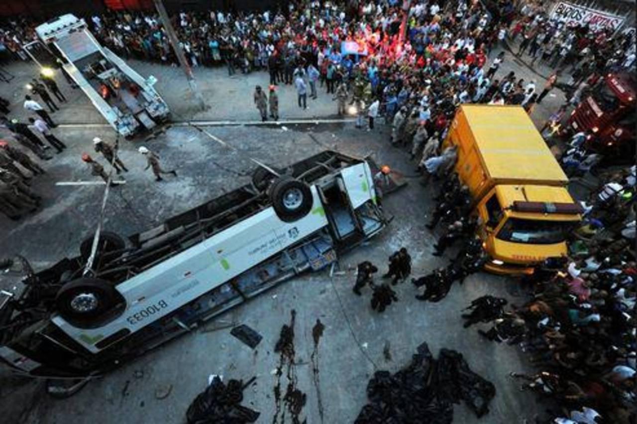 Choque frontal deja 11 muertos en Brasil