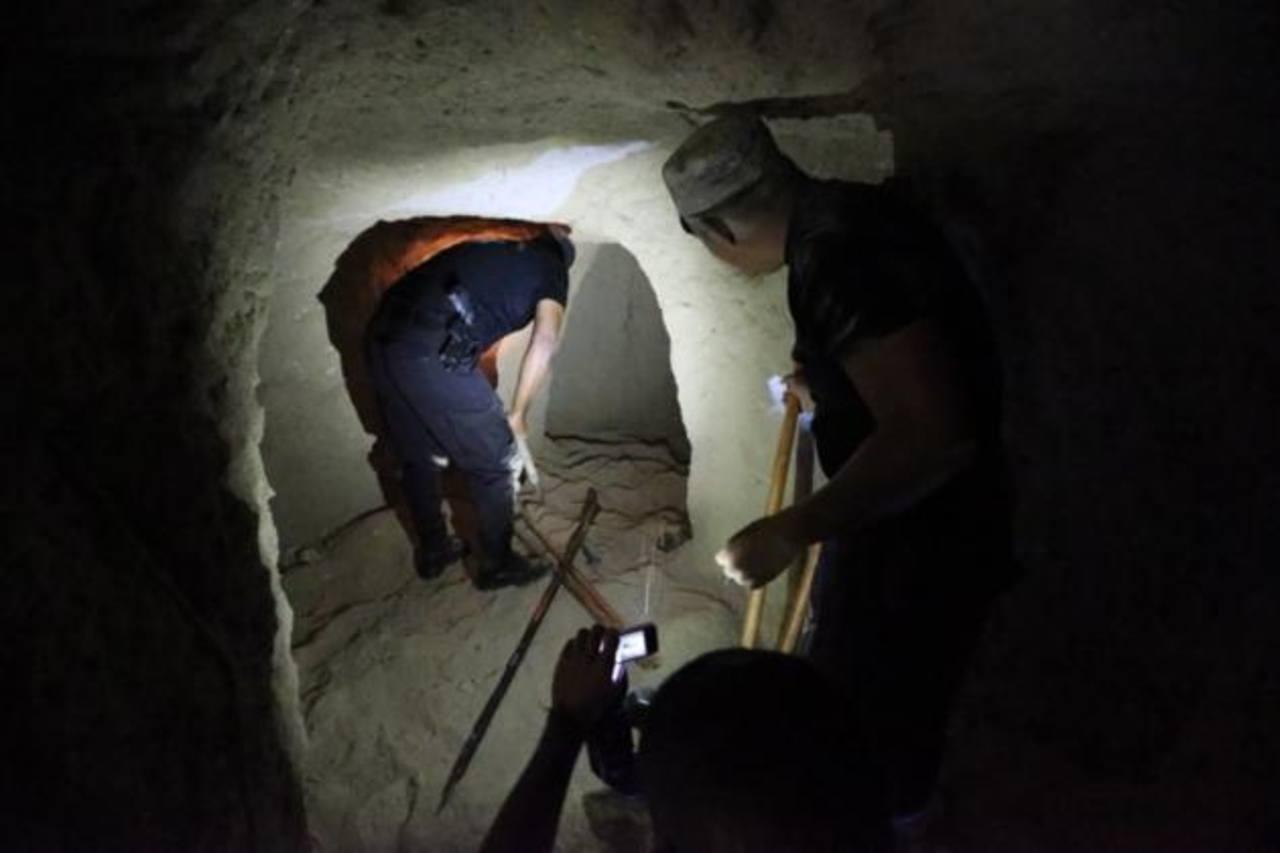 Las autoridades policiales han descubierto dos tatús en el área general de San José Guayabal, Cuscatlán, donde pandilleros los utilizaban para esconder armamento.