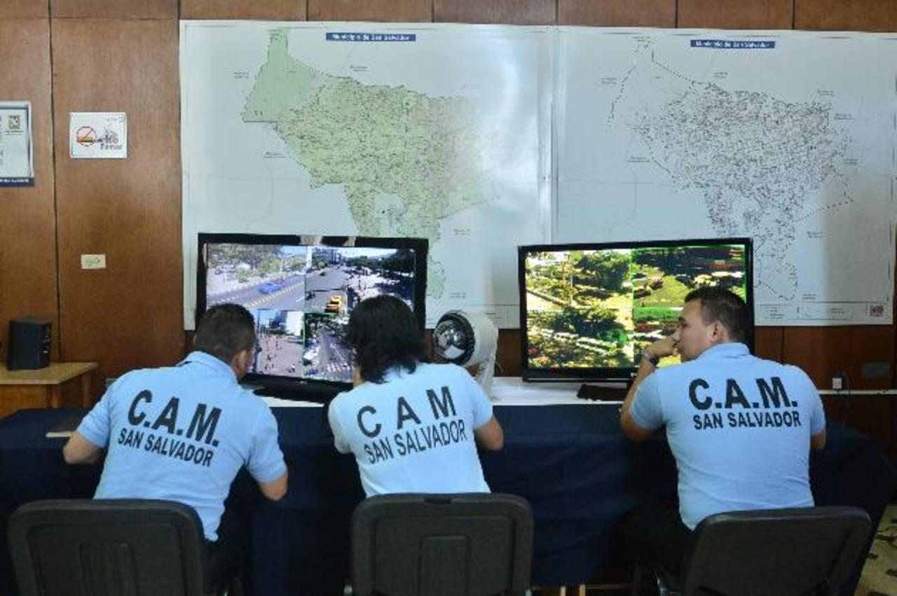 El sistema de Videovigilancia está compuesto por unas 100 cámaras ubicadas en el Centro Histórico. foto edh / René quintanilla.