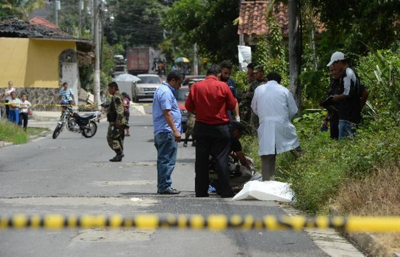El comerciante Julio Delgado Alvarenga, de 68 años, fue asesinado ayer, en Ilobasco, Cabañas. Foto EDH / Jaime Anaya.