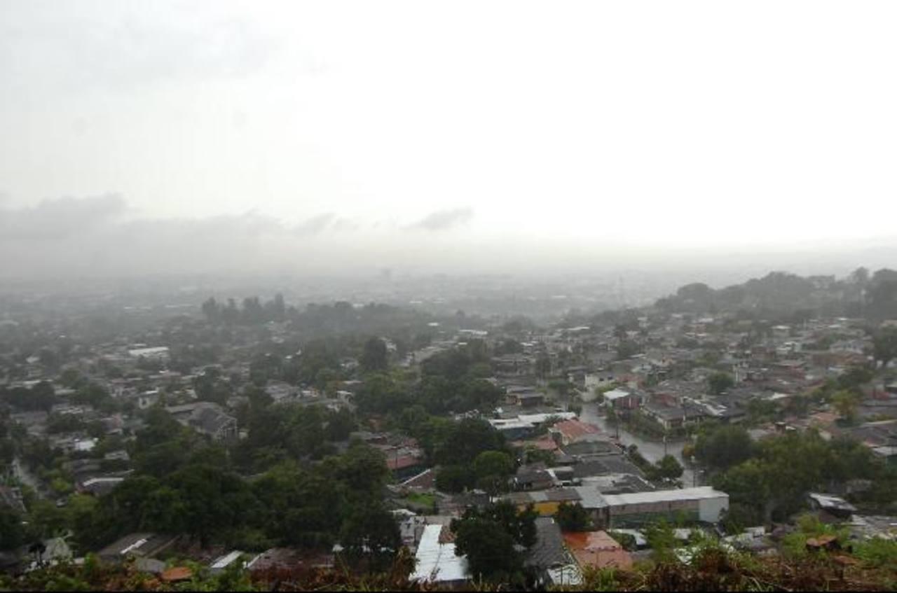 Alerta amarilla por lluvias en El Salvador