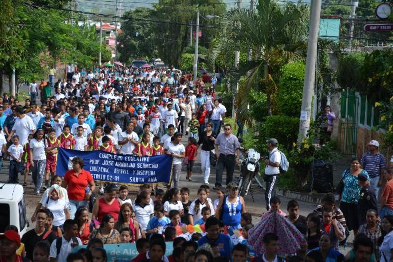 El evento se desarrolló en el redondel de la colonia El Palmar, al sur poniente de la cabecera departamental. Foto EDH / iris Lima.