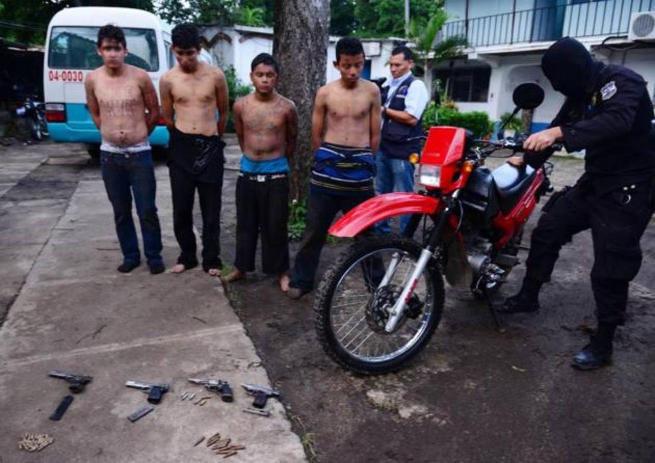 Pandilleros capturados en Lourdes, Colón.