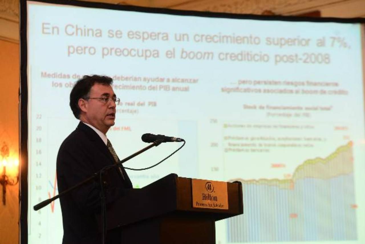 Mario de la Garza, representante del FMI para la región, analizó la economía. foto edh / césar avilés.