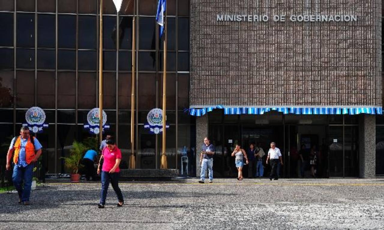 """Medardo González: Crear plazas en Gobierno responde a """"nueva cultura de contratación"""""""