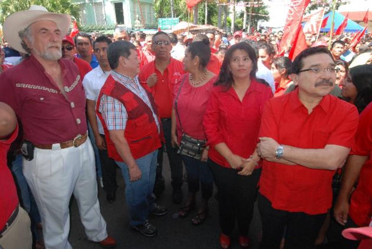 Medardo González y José Luis Merino en un evento en Ahuachapán. FOTO EDH/ CRISTIAN DÍAZ