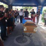Con honores fue despedido el policía asesinado el fin de semana en San Pedro Perulapán.
