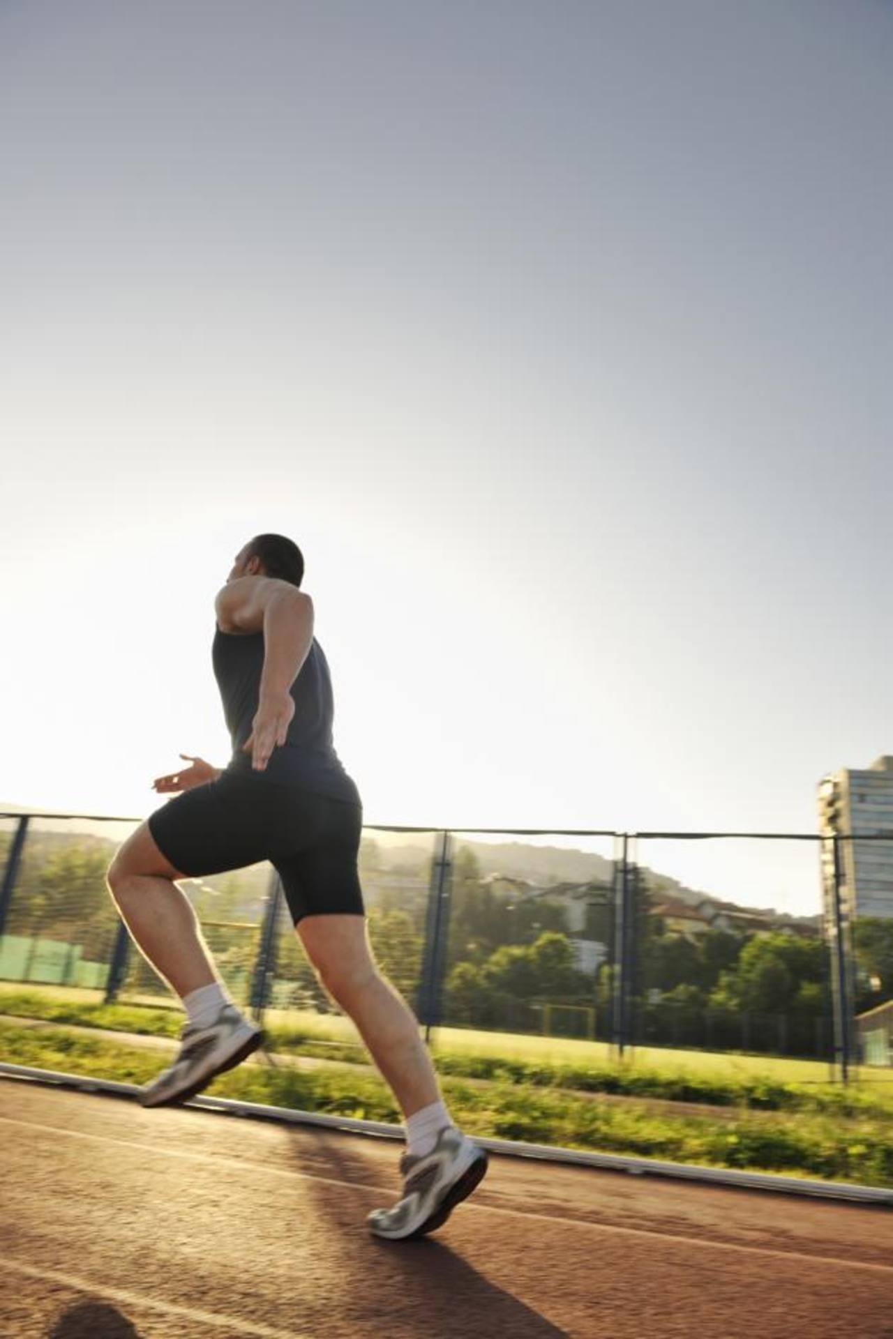 La actividad física varias veces a la semana ayuda a prevenir la obesidad y enfermedades del corazón.