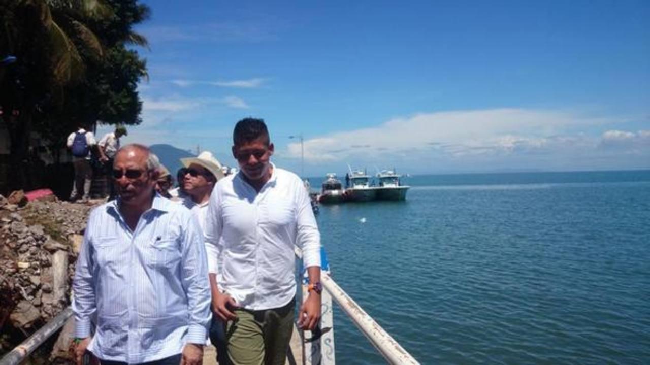 Los diputados recorrieron por la isla Meanguera del Golfo.