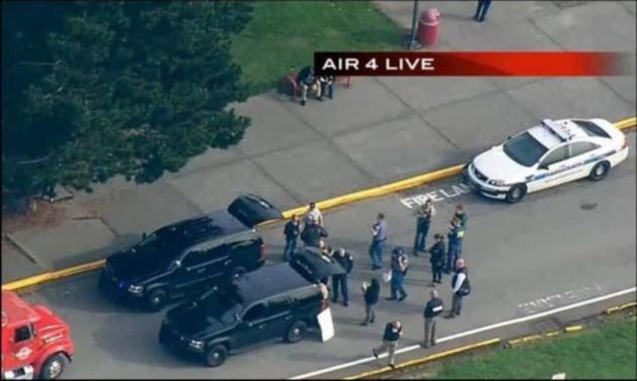 Tres muertos en tiroteo de secundaria en EE.UU.
