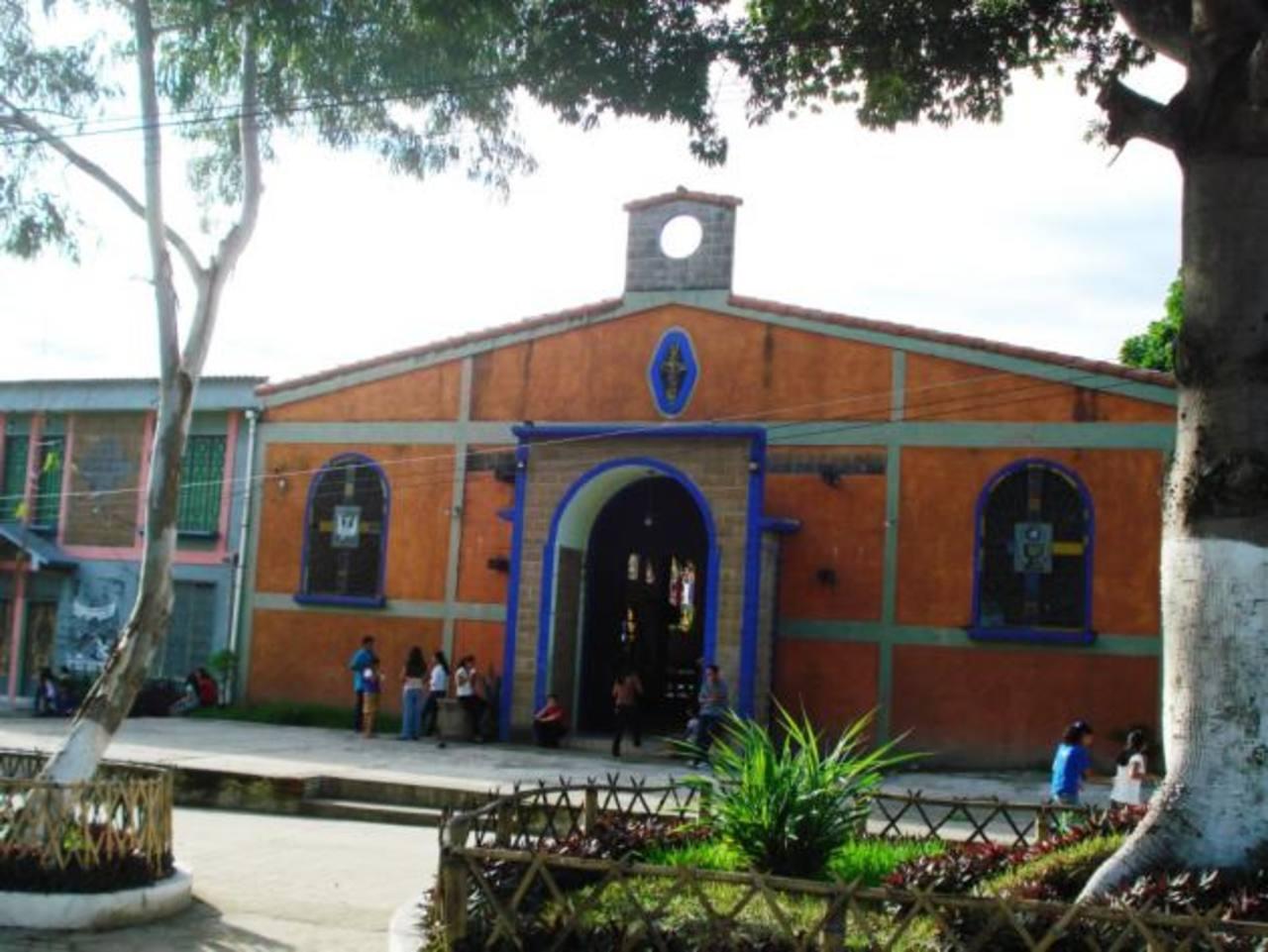 La Iglesia Católica ha quedado en territorio dominado por pandilla 18; quienes viven en territorio MS tienen miedo asistir a misa.