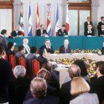 Firma de los Acuerdos de Paz en Chapultepec, México en 1992.