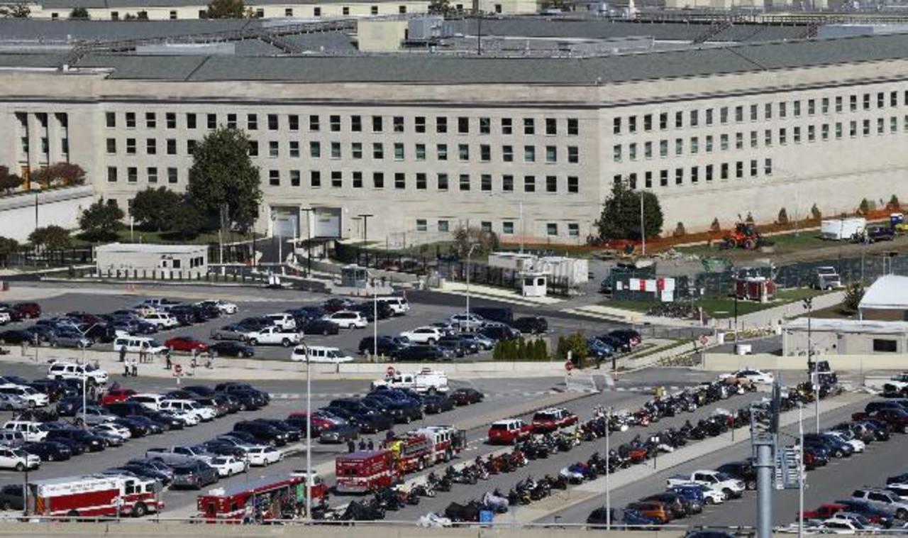 La policía del Pentágono cerró una entrada al edificio y una porción del estacionamiento debido a que la mujer vomitó.