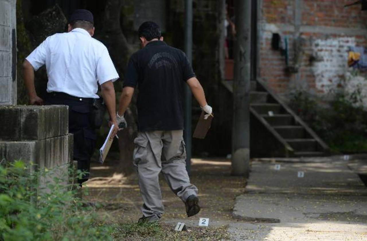 Tres supuestos pandilleros heridos de bala en colonia Popotlán de Apopa. Fotos EDH / Jaime Anaya