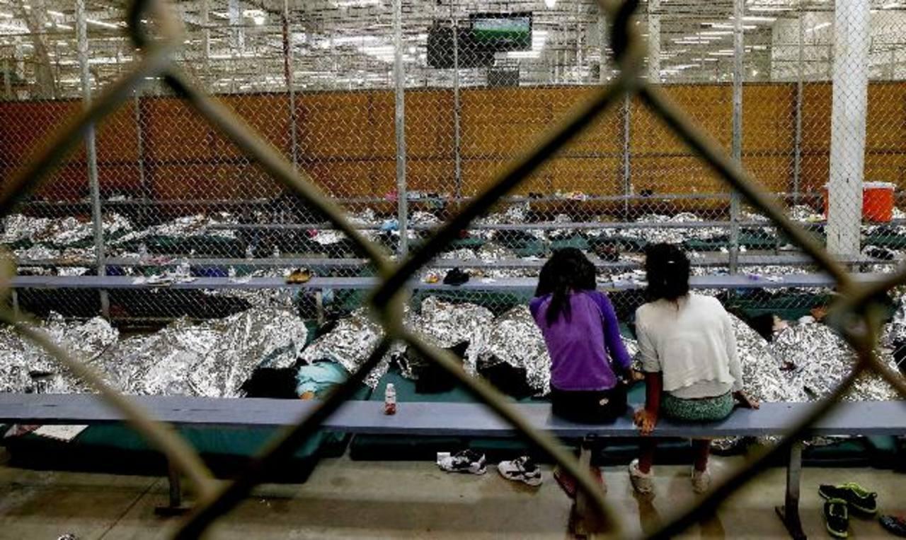 Foto de archivo de uno de los centros de procesamiento de menores en Nogales, Arizona, en plena crisis. Foto EDH / ap