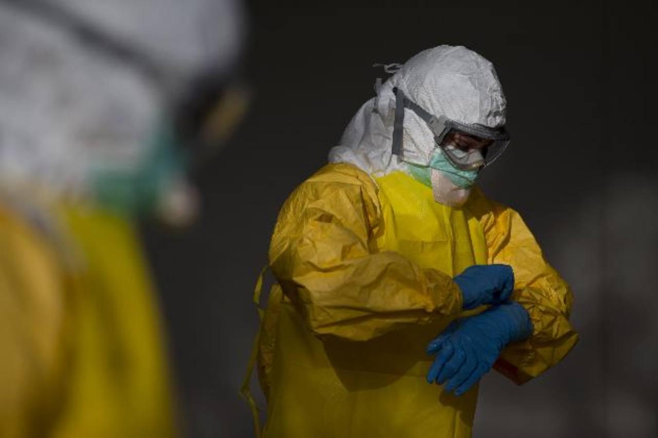 Pondrán en cuarentena a trabajadores de salud que regresen de zonas con ébola