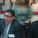 El diputado Ernesto Angulo durante la conferencia de prensa.