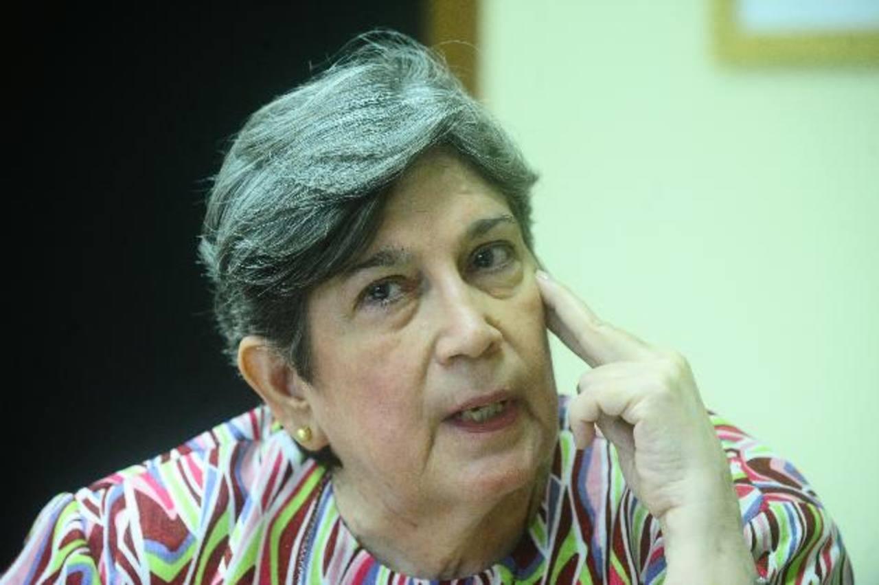 La Dra. Miller ha impartido diferentes cursos sobre Shakespeare. Foto EDH/ARCHIVO