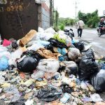 Mejicanos está abarrotado de promontorios de basura