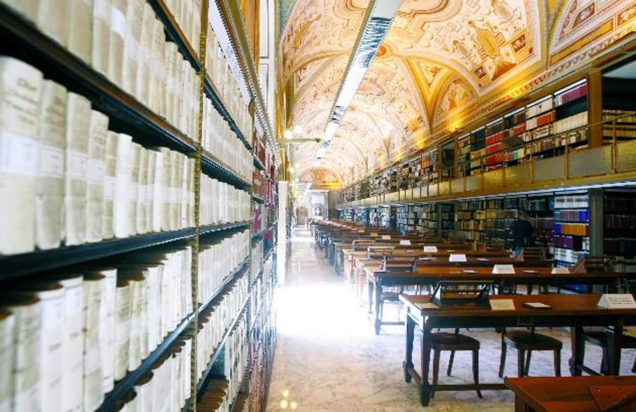 Inicialmente la empresa digitalizará únicamente 3,000 archivos de la Biblioteca Vaticana, pero se podría renovar el contrato hasta alcanzar el total de los manuscritos. Foto edh