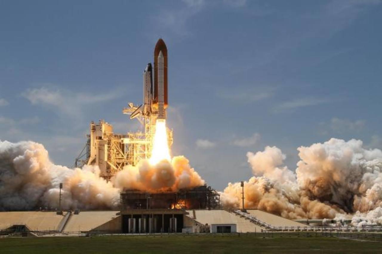 Uno de los métodos actuales consiste en liberar grandes cantidades de agua en el entorno del cohete durante la ignición.