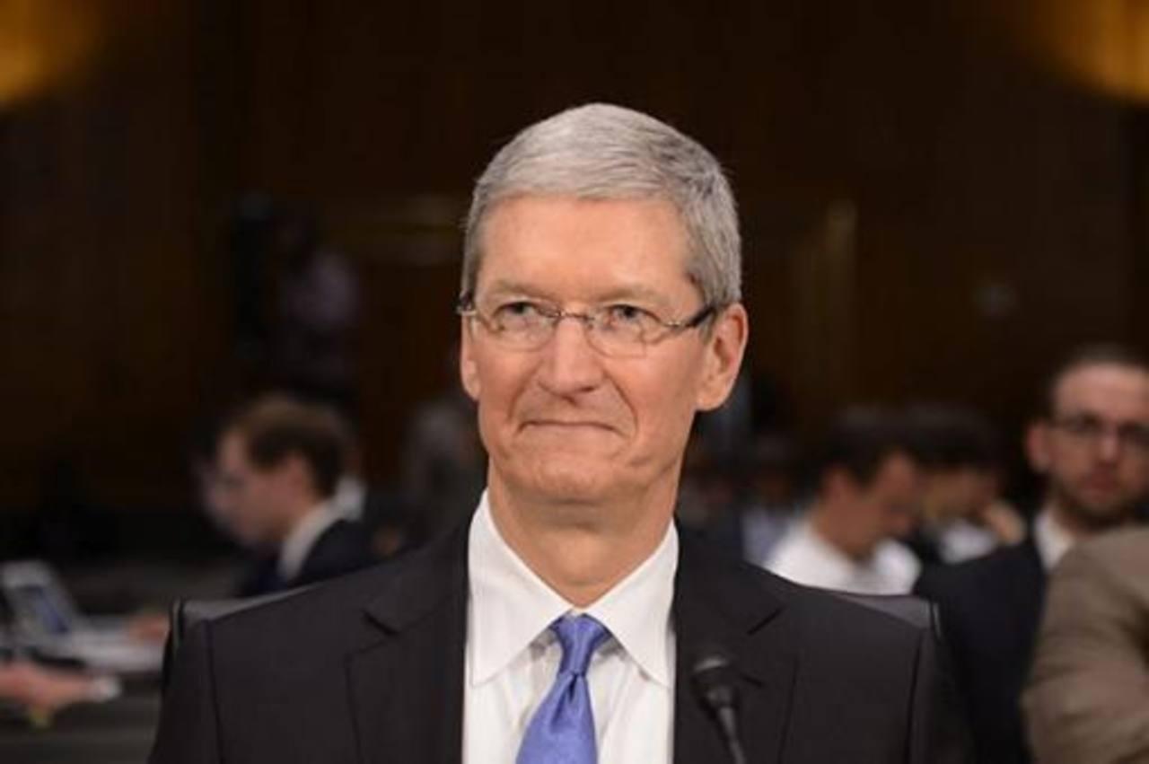 CEO de Apple, Tim Cook, se declara gay