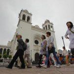 El Salvador espera obtener 1,000 millones de dólares por turismo en 2014