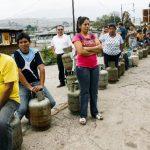 El control de precios de productos básicos y la falta de divisas han provocado que el mercado negro emerja con fuerza en toda Venezuela. La escasez es otra agravante. Foto EDH /archivo