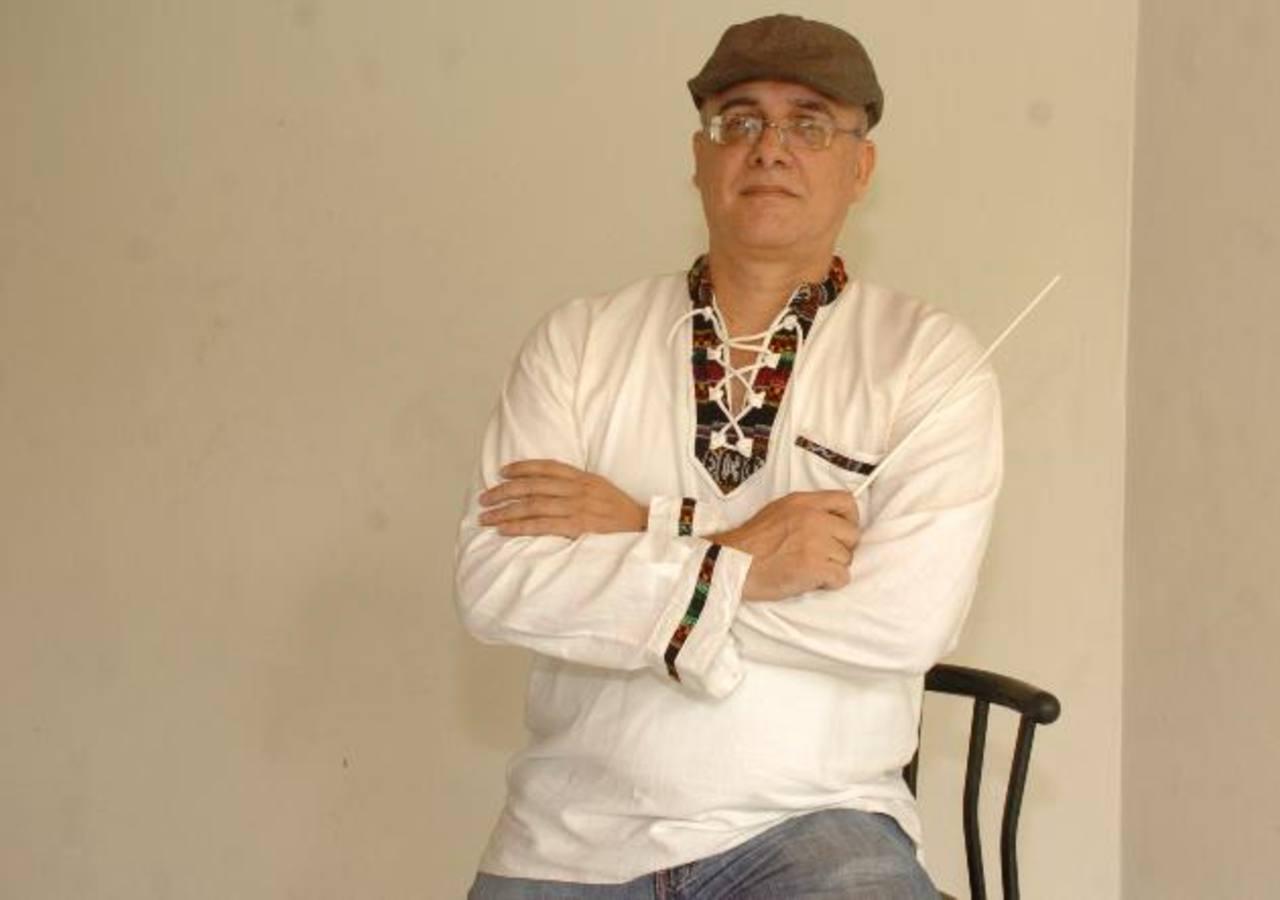 El director de la orquesta Platinum, Julián Blanco, fue detenido ayer por la tarde, cuando viajaba a San Miguel. Foto EDH / Archivo.
