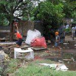 Unas trescientas familias que habitaban a pocos metros de las costas del Lago de Managua, en el barrio Rubén Darío, ya fueron evacuadas por miembros del Defensa Civil del Ejército de Nicaragua, obreros de la municipalidad y agentes de la Policía Naci