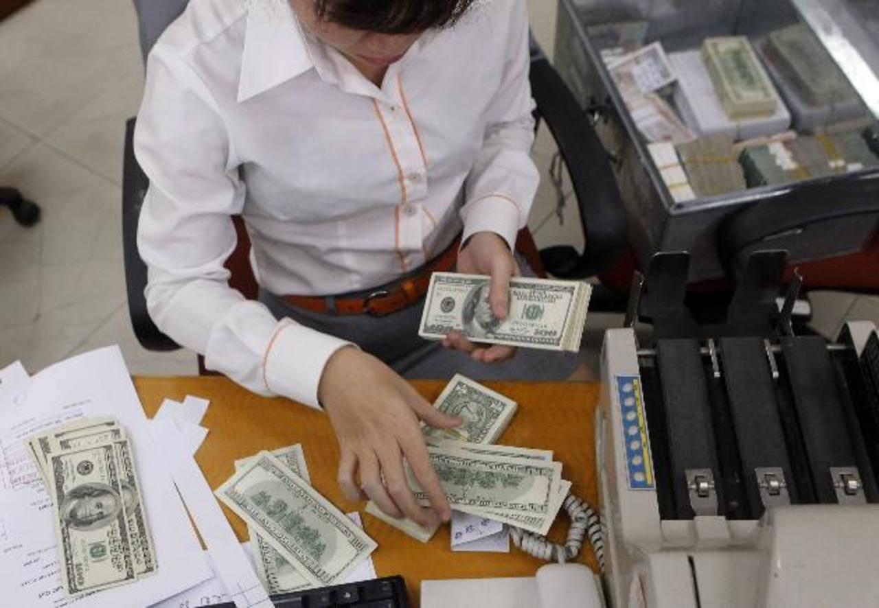 El Gobierno aplica impuesto de $2.50 por cada $1,000 en transferencias bancarias.