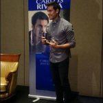 Exacadémico Carlos Rivera presenta fragancia en El Salvador