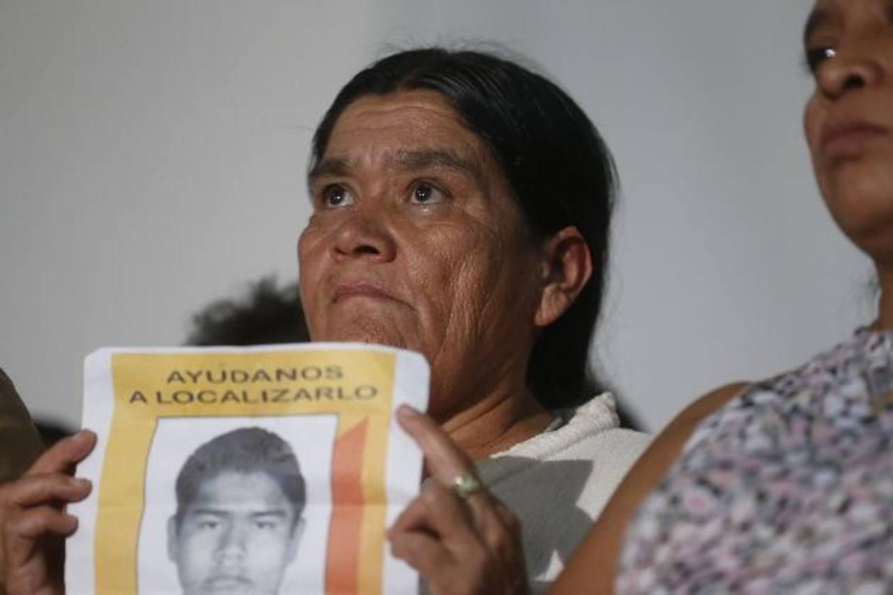 Una pariente de los 43 estudiantes desaparecidos.