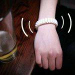 Vive, la pulsera que alerta a tus amigos cuando te pasaste de copas