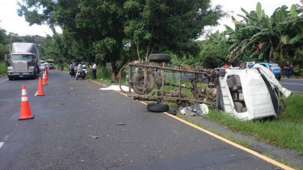 Un accidente vial se registró esta tarde en San Pedro Perulapán.