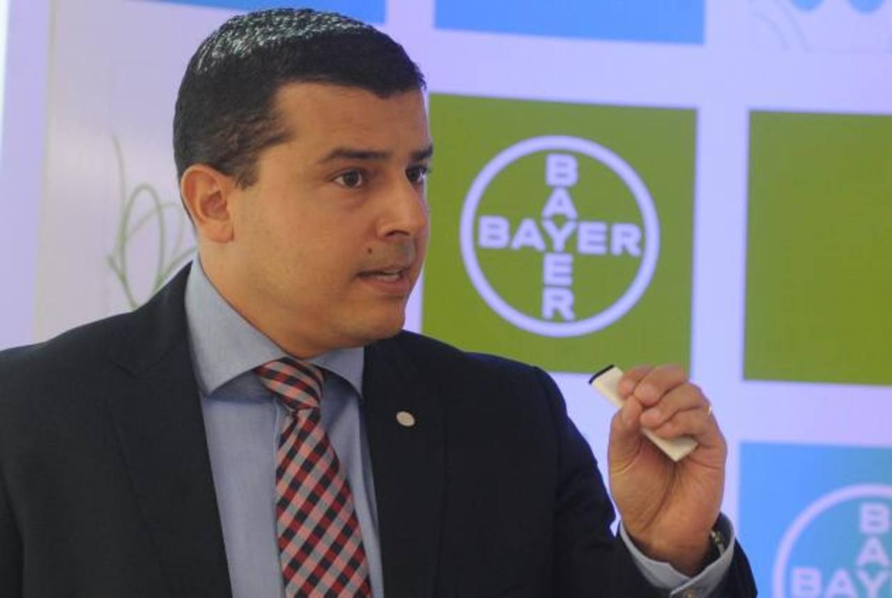 Rafael Villarroel, presidente de Bayer, reafirmó la importancia del país para el mercado centroamericano. foto edh/Miguel Villalta