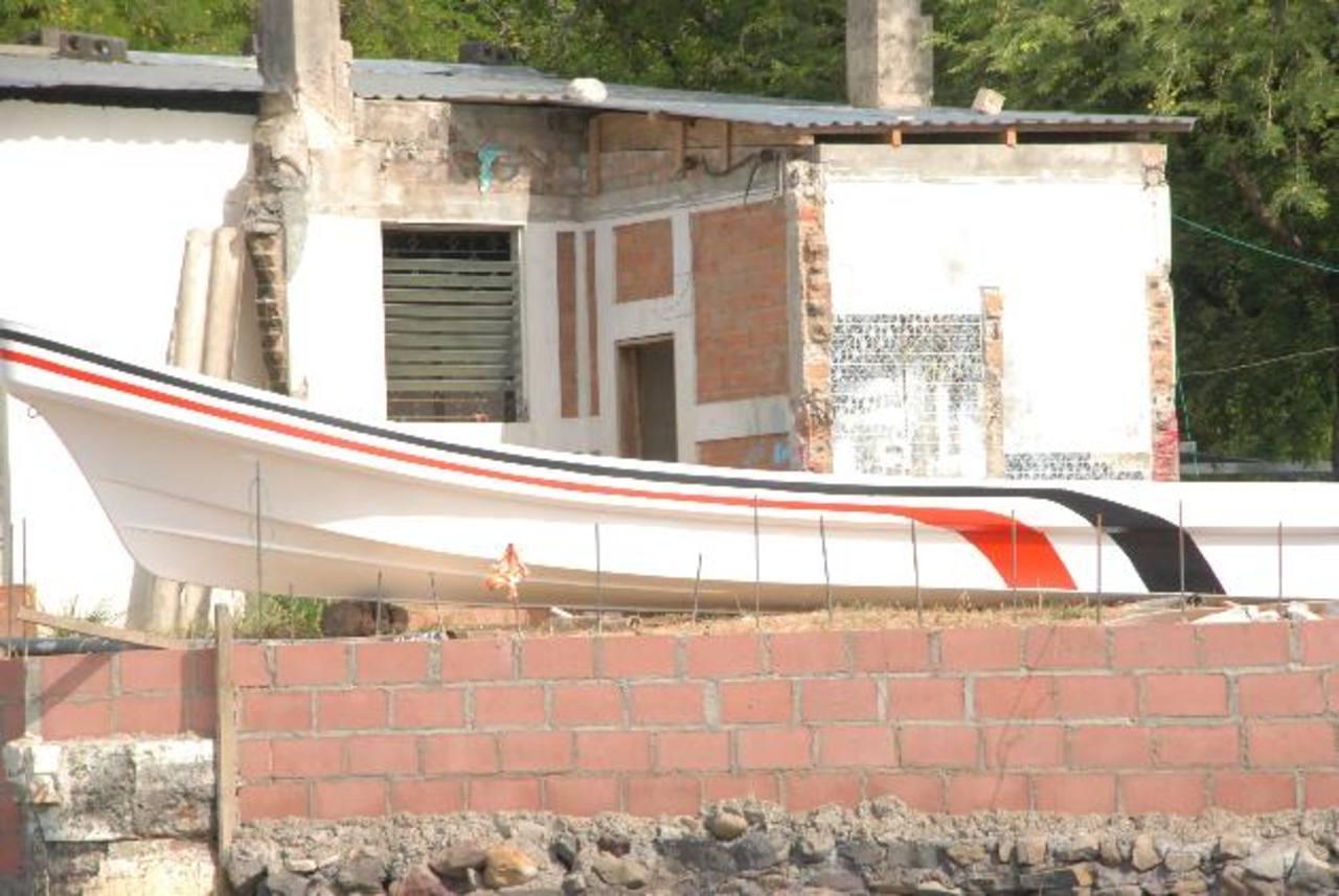 La mayoría de embarcaciones son construidas y reparadas en talleres de la zona. Gran parte de los pobladores de esta zona usan este tipo de embarcaciones para trasladarse, pescar o divertirse. foto edh / insy mendoza