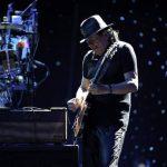 El músico Carlos Santana se encuentra nominado en las categorías de Mejor álbum vocal pop tradicional y Mejor vídeo musical versión larga.