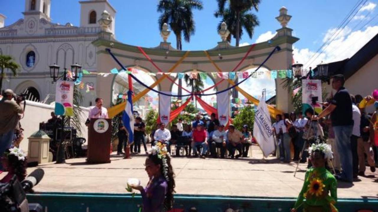 Ministro de Turismo declara Ruta de Las Flores como zona turística de interés nacional en Ahuachapán.